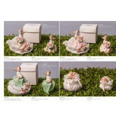 Damina piccola in porcellana beige con sacchetto e roselline linea Damine (A2101-A)
