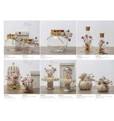 Alzatina piccola con cupoletta in vetro e base in ceramica binaca decorata con fiorellini e sacchetto juta (P6631-A)