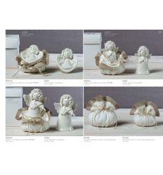 Formella in porcellana bianca a forma di cuore con angelo riccio con sacchettino in cotone bianco e bordino marrone (P6901-A)
