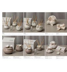 Scatola piccola in porcellana tortora con fiorellini bianchi con astuccio linea Fragrance Flower (P7202)