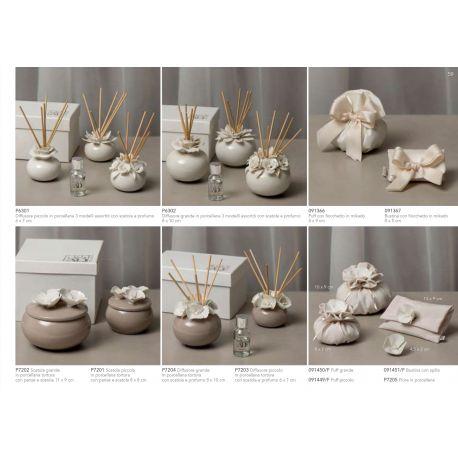 Diffusore profumatore grande in porcellana tortora e fiorellini bianchi completo di bacchette, profumino e astuccio (P7204)