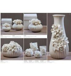 Scatola piccola in porcellana con fiore sul coperchio con astuccio linea Ortensia (P8301)